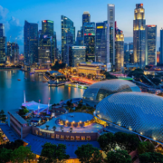 Vì sao người Singapore giỏi tiếng Anh?